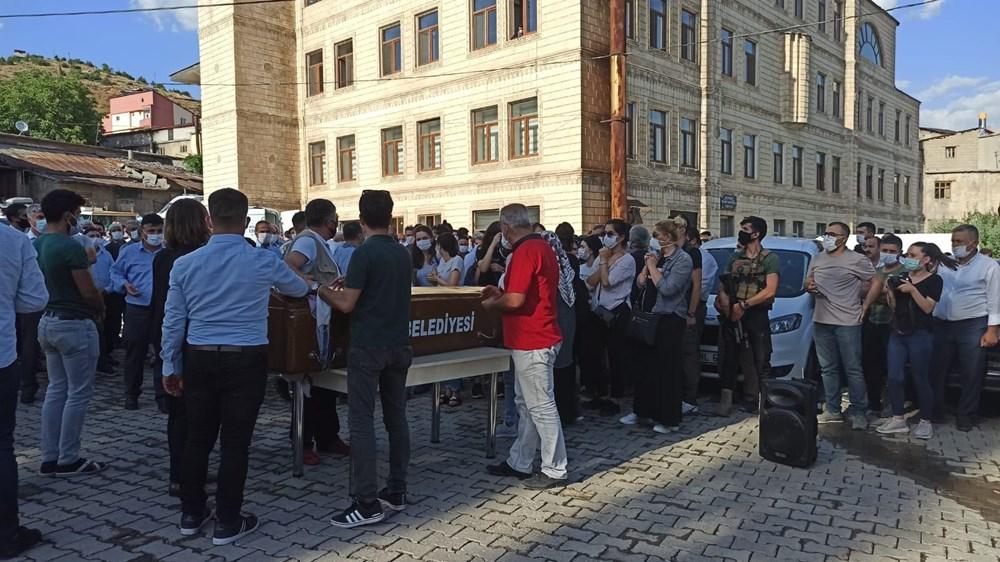 Hüzünlü veda: Pınar Gültekin son yolculuğuna uğurlandı - 11