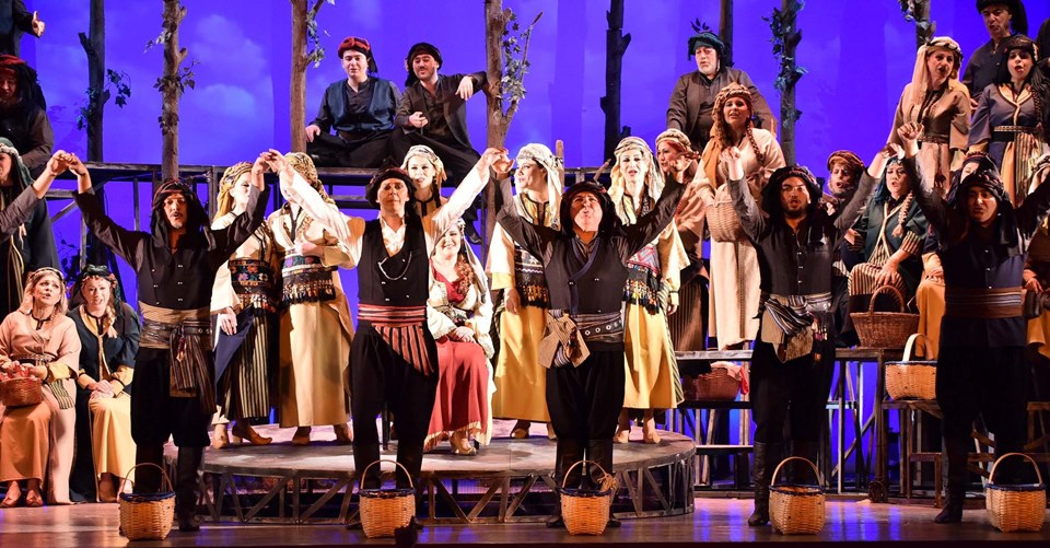 Hekimoğlu operası, İzmir Devlet Opera ve Balesi tarafından 14, 16,18 Mart 4, 6, 20, 22 Nisan tarihlerinde İzmirli sanatseverlerin beğenisine sunulmaya devam edecek.
