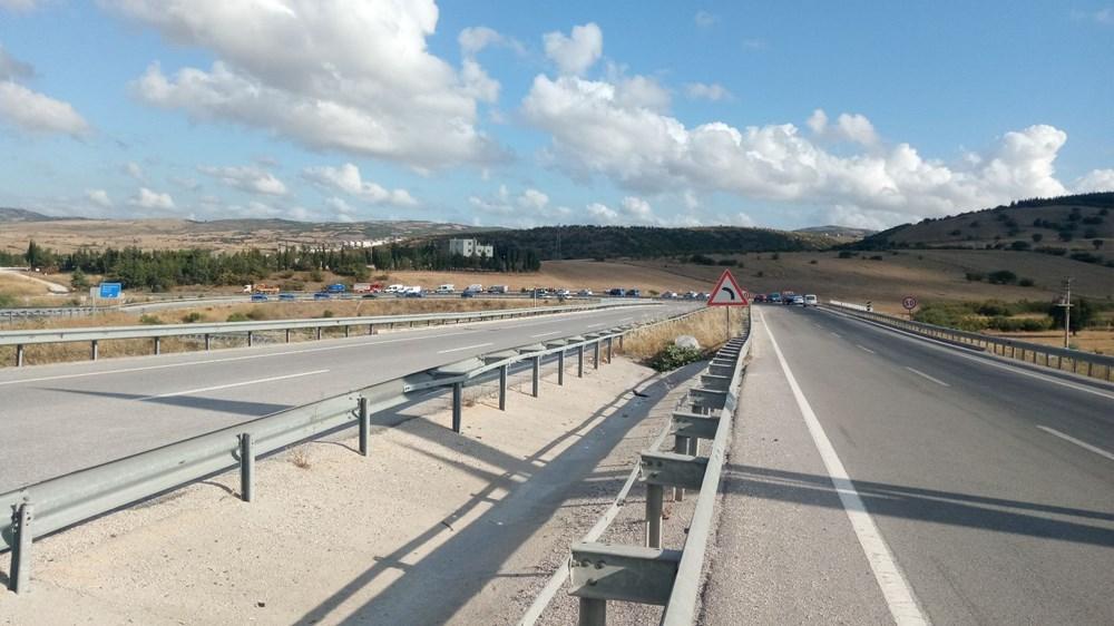 Balıkesir'de yolcu otobüsü devrildi: 15 kişi hayatını kaybetti - 16
