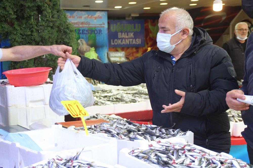 Rize'de kilo fiyatı 5 TL'ye düşen istavrit, kasayla satılıyor - 7