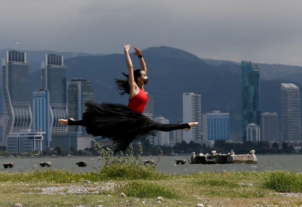 İzmir'de dansçılar meydanları sahneye dönüştürdü - 3