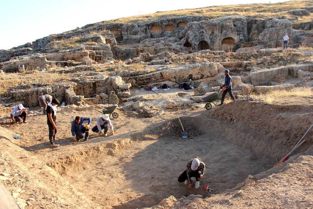 Adıyaman'daki Perre Antik Kent'teki kazılarda 9 adet üzüm işliği bulundu - 7
