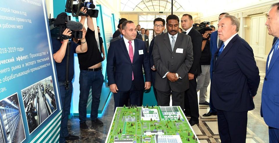 Cumhurbaşkanı Nazarbayev, bölgedeki uluslararası havalimanı, demiryolları, karayollarının yanı sıra, Aktau ve Kurık limanlarının ülke ekonomisine büyük etki sağlayacağını kaydetti.