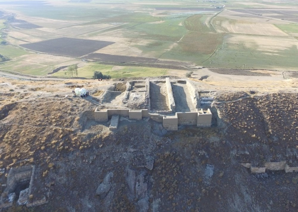 Urartular'a ait 2 bin 750 yıllık tahıl ambarları koruma altına alınıyor - 4