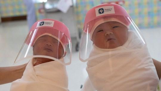 Peru'da Covid-19 hastası iki kadın doğum yaptı, bebekler sağlıklı