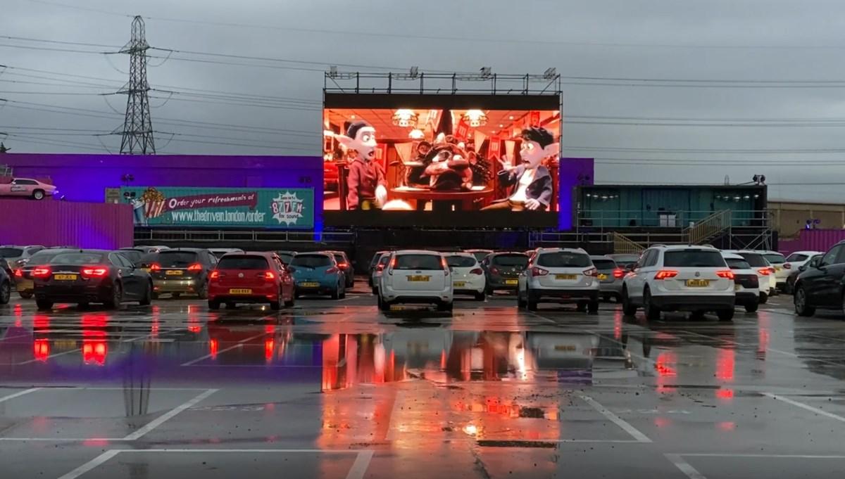 Corona virüs arabalı sinemayı geri getirdi