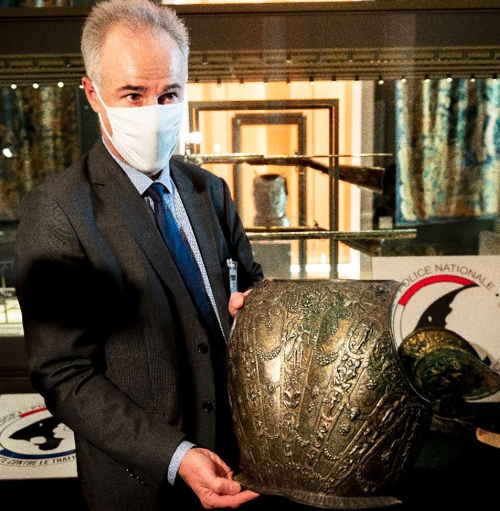 Louvre Müzesi'ndeki kayıp zırh ve miğfer 38 yıl sonra bulundu - 3