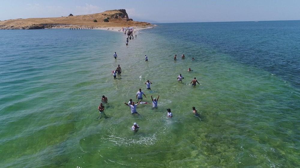 Su altındaki antik yoldan Çarpanak Adası'na ulaştılar - 8