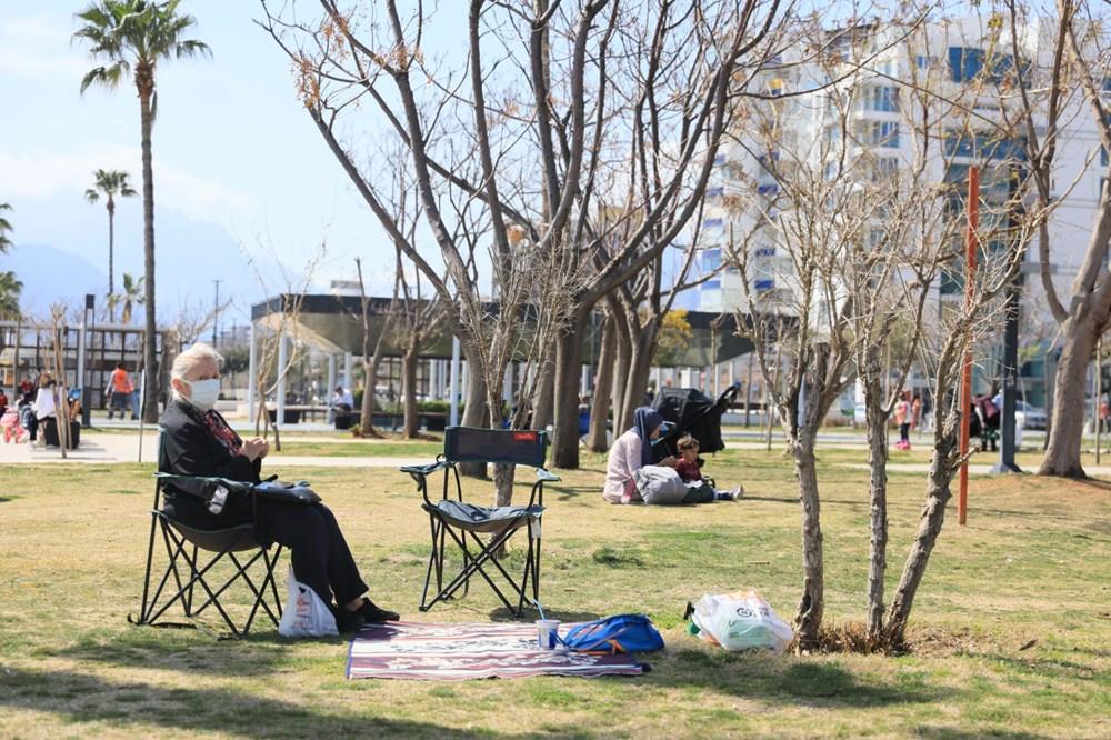 Kademeli normalleşmede 2. hafta sonu: Sahil ve parklar doldu - 18