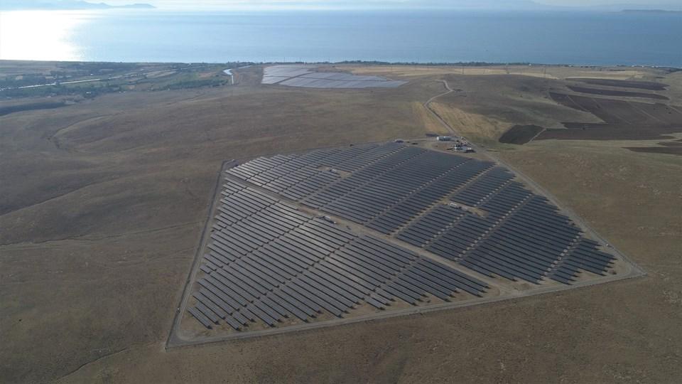 Türkiye'nin güneş enerjisi potansiyeline sahip en yüksek illerinden Van'da işletilecek olan Omicron Erciş ve Engil ile PSI Engil santralleri Vangölü'nün yanı başındaki toplam 600 dönümlük arazi üzerinde bulunuyor.