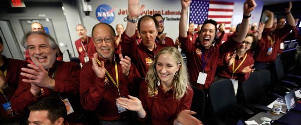 Keşif aracı InSight'ın, Mars'a ulaştığı anlarda yaşananlar