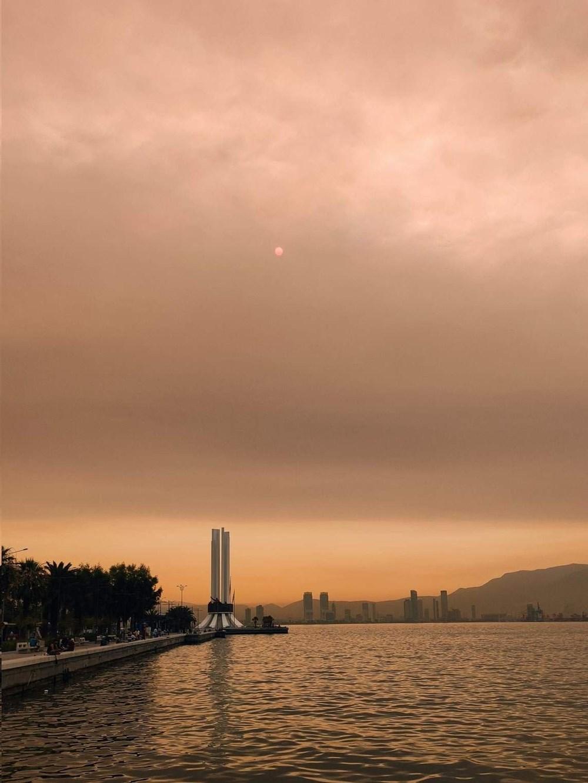 İzmir'de bulanık gökyüzü korkuttu - 8