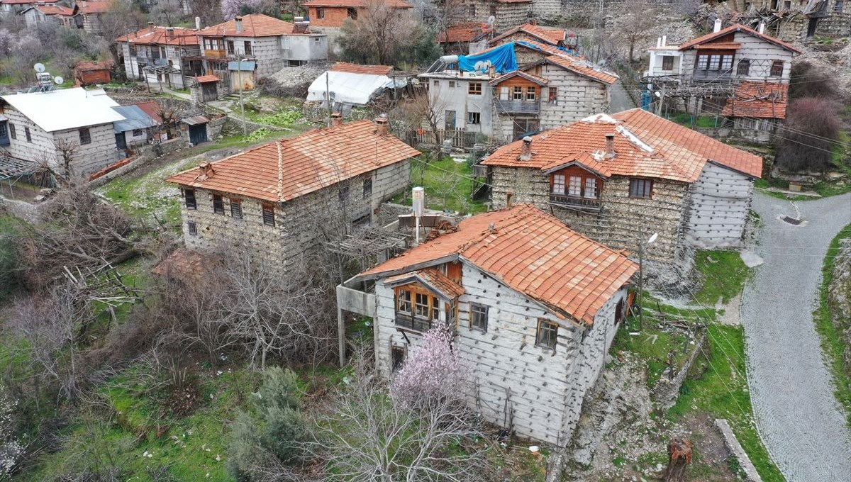 Antalya's historical 'button houses' take visitors to the past