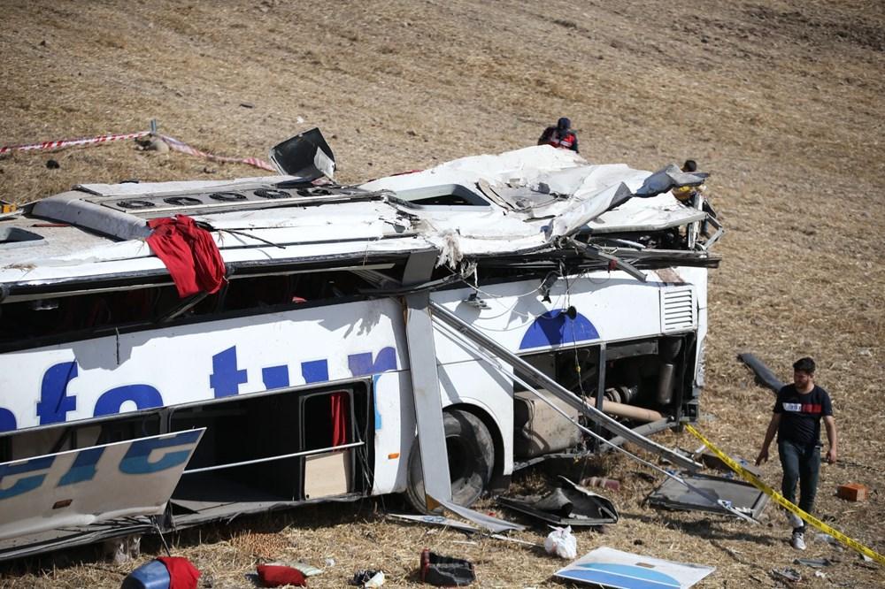Balıkesir'de yolcu otobüsü devrildi: 15 kişi hayatını kaybetti - 40