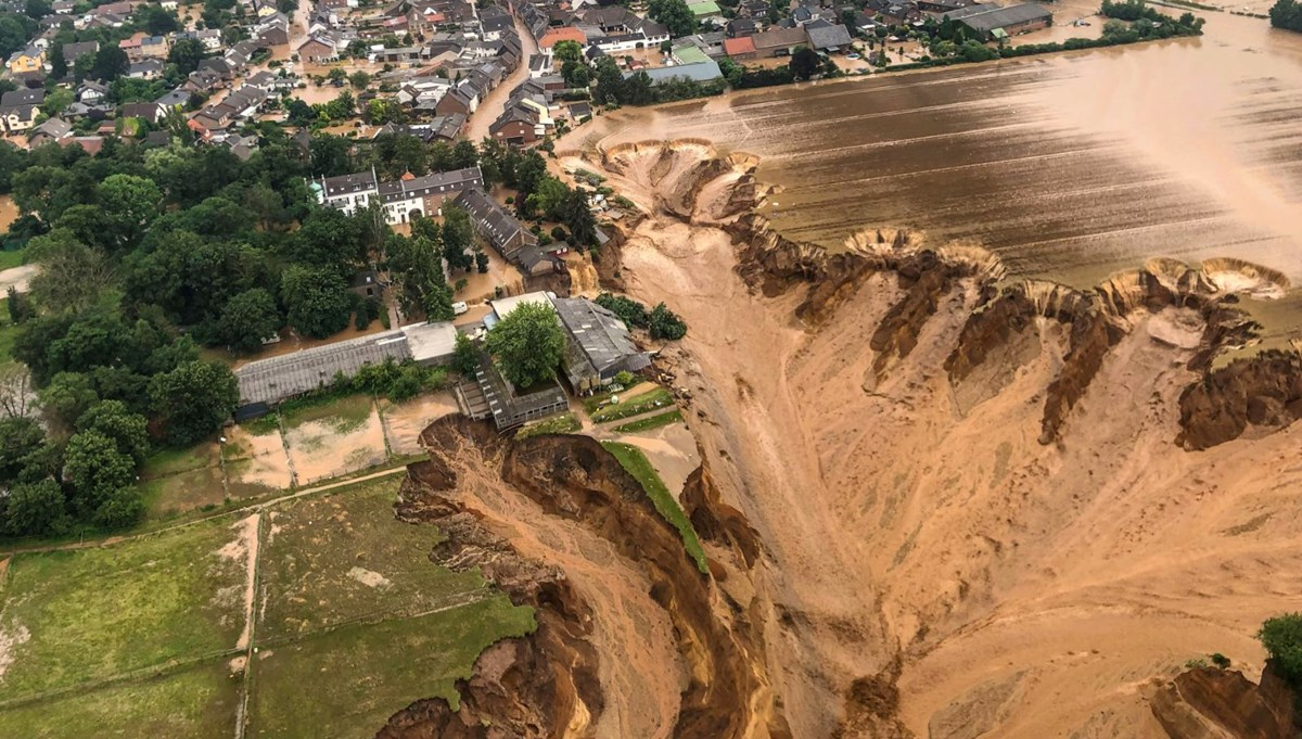 Almanya'da sel felaketi: Can kaybı 100'ü aştı