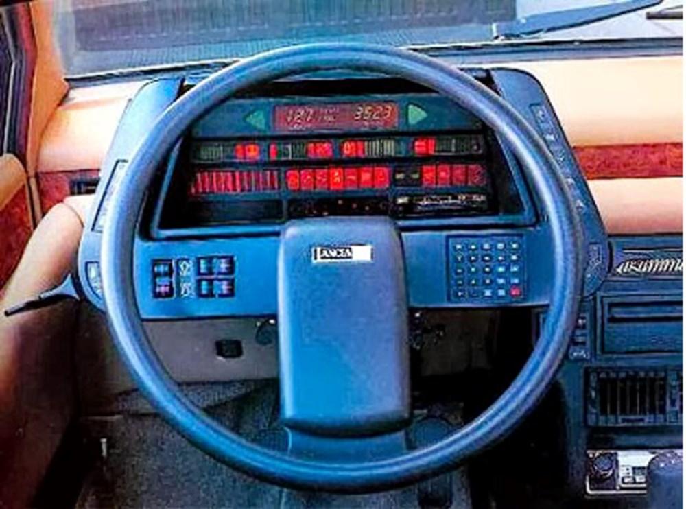 80'li yıllara damgasını vuran otomobil konsolları - 3