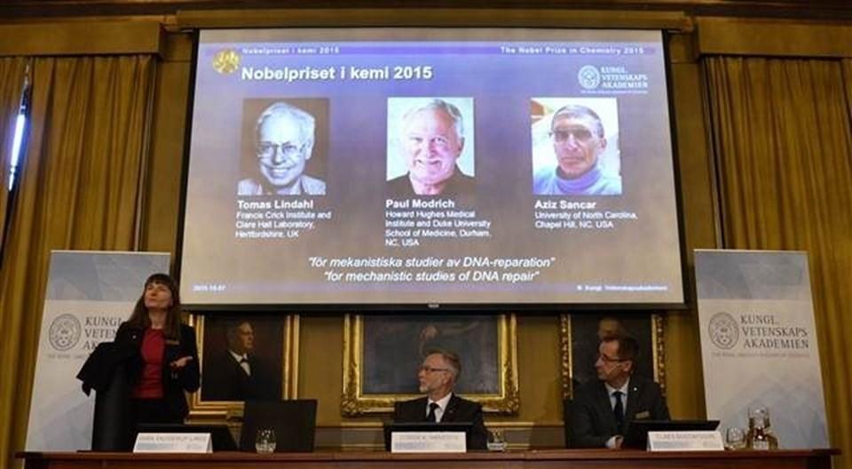 Nobel Kimya Ödülü'ne layık görülen üç kişi arasında Türk bilim insanıAziz Sancar da yer aldı.
