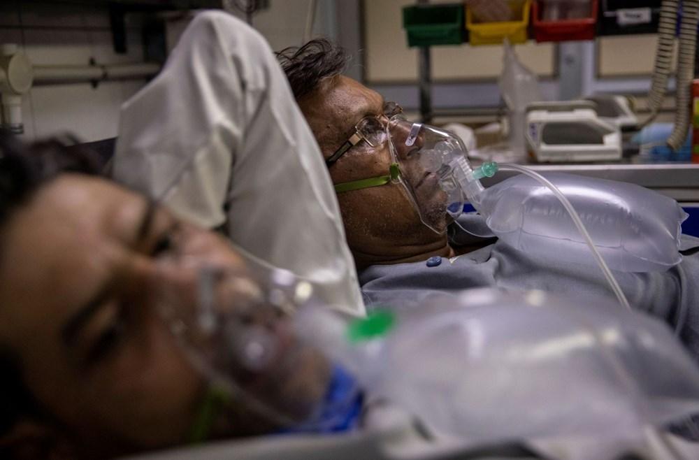 Hindistan'da günlük Covid-19 vaka sayısı üst üste rekor kırdı: İki hasta aynı yatakta tedavi görüyor - 7