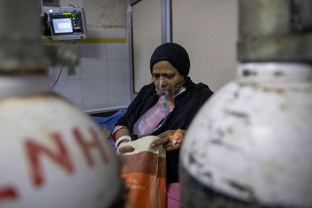 Hindistan'da günlük Covid-19 vaka sayısı üst üste rekor kırdı: İki hasta aynı yatakta tedavi görüyor - 4