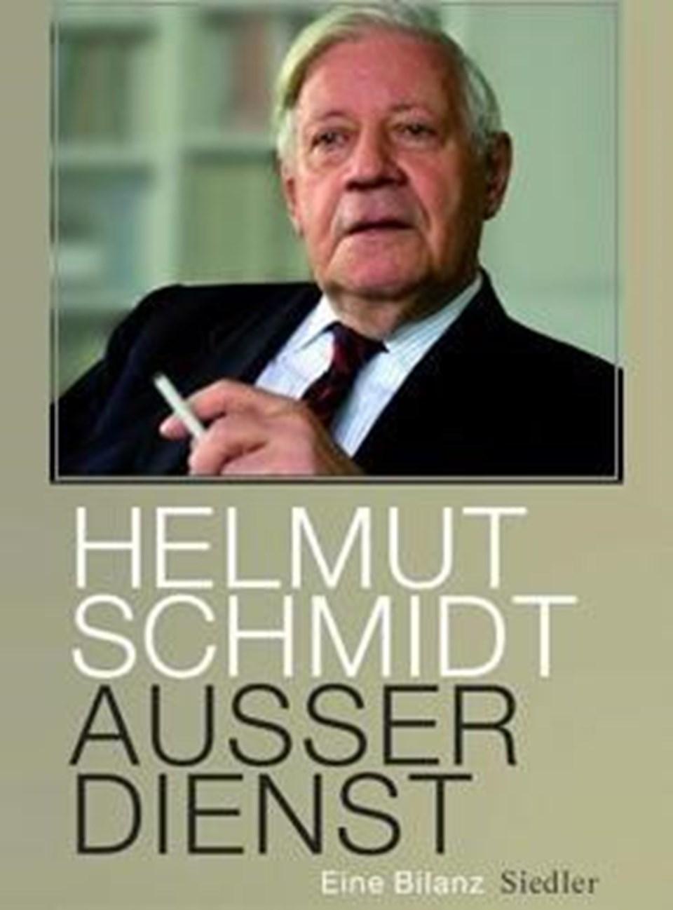 Schmidt'in dış politikasını anlatan kitabın kapağı