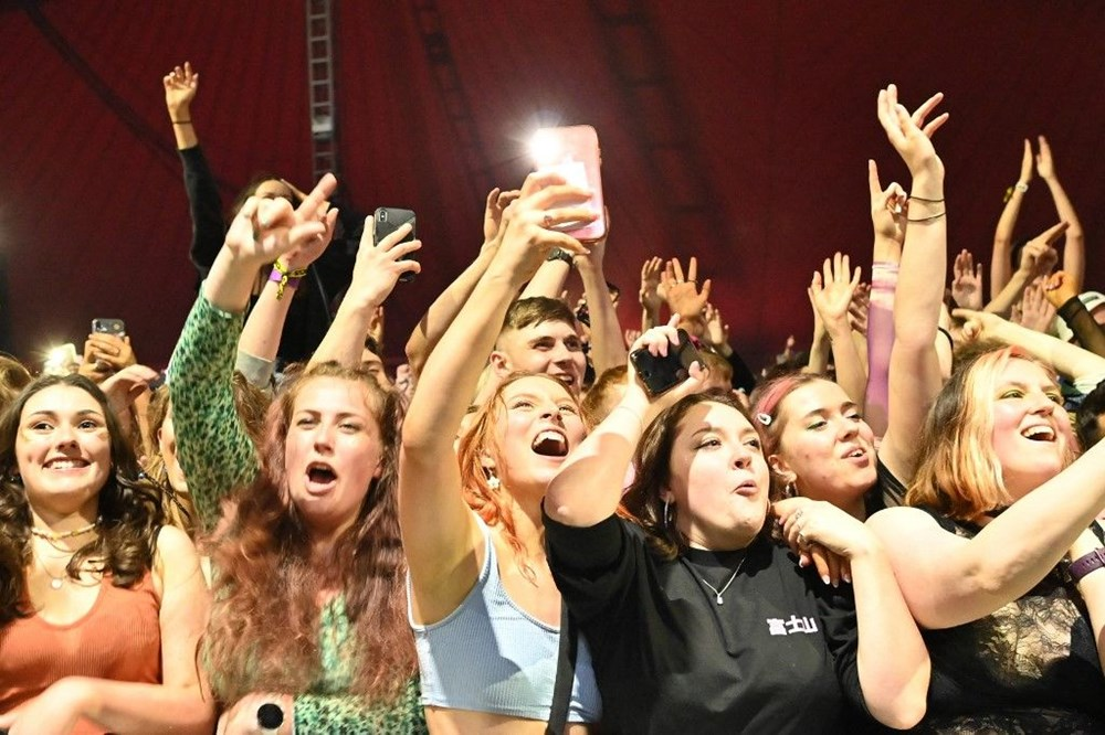 İngiltere'de aylar sonra ilk müzik festivali - 12