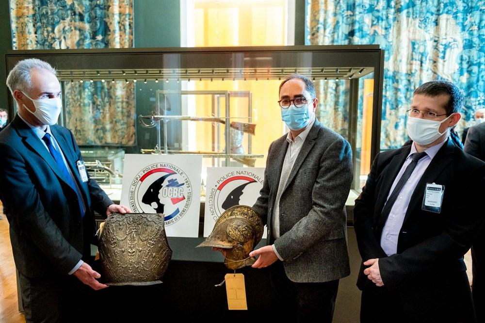 Louvre Müzesi'ndeki kayıp zırh ve miğfer 38 yıl sonra bulundu - 5