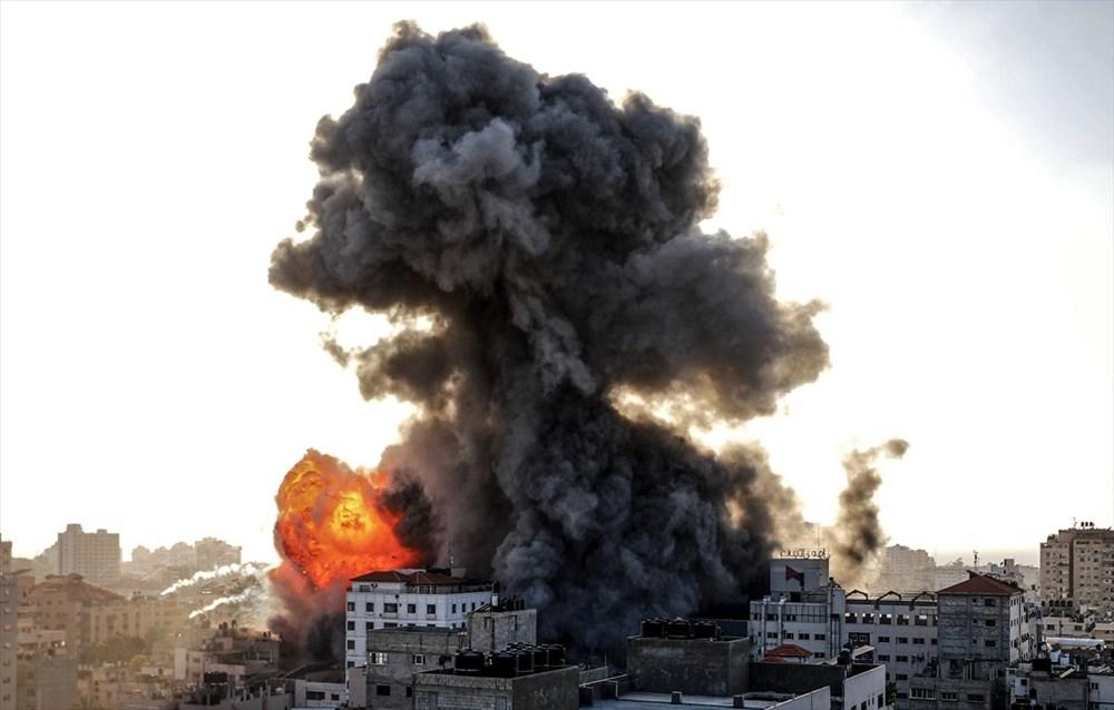 İsrail, Gazze'de sivillerin bulunduğu 14 katlı binayı vurdu - 19