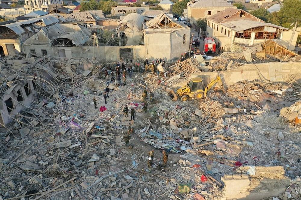Ermenistan'ın Gence'ye füze saldırısının şiddeti gün ağarınca ortaya çıktı - 17