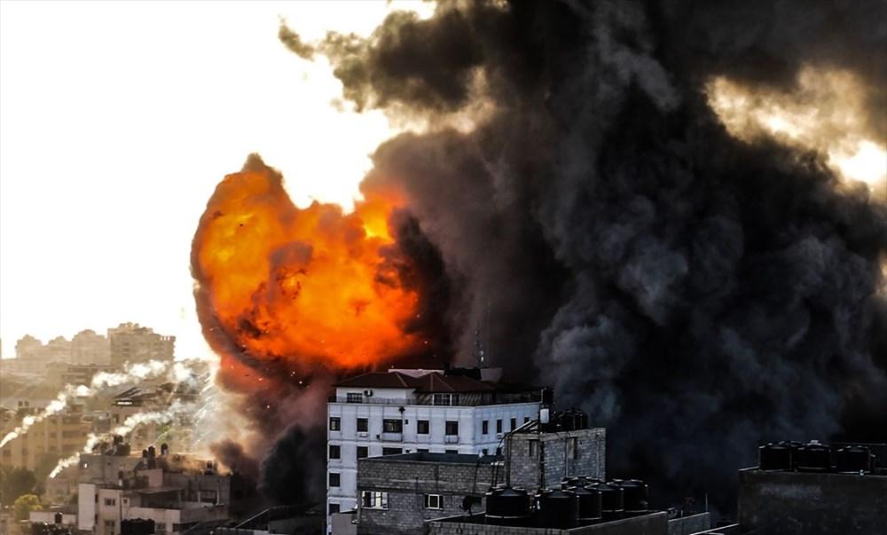 İsrail, Gazze'de sivillerin bulunduğu 14 katlı binayı vurdu - 9