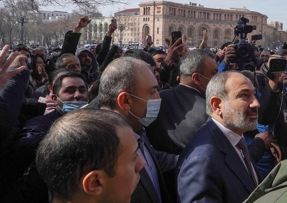 Ermenistan'da darbe girişimi: Paşinyan destekçileri ve karşıtları meydanlara çıktı - 11