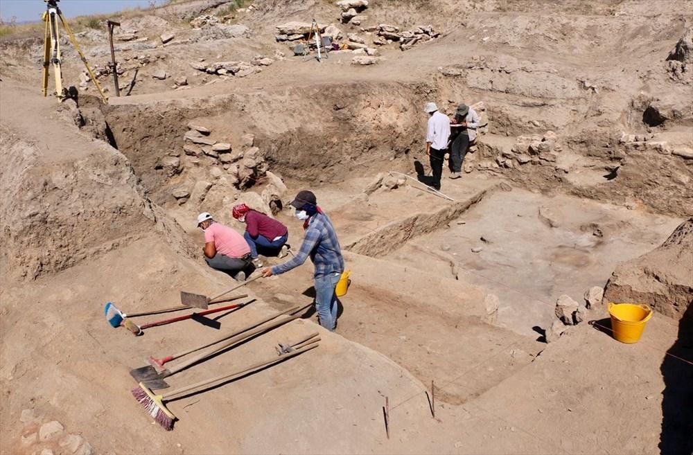 Eskişehir Küllüoba kazısında 5 bin yıllık boya paleti bulundu - 8