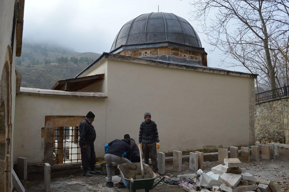 Tarihi camideki restorasyonda Osmanlı motifleri ortaya çıktı - 8