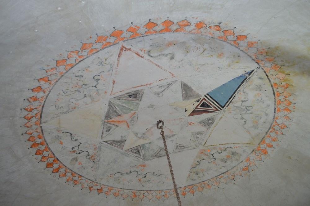 Tarihi camideki restorasyonda Osmanlı motifleri ortaya çıktı - 3