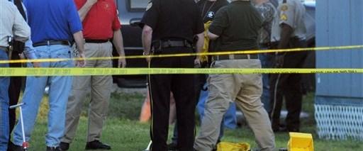 10 kişiyi vurdu, annesinin evini yaktı, intihar etti