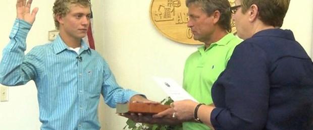 18 yaşında belediye başkanı seçildi