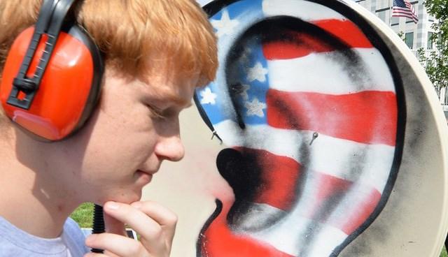 Snowden'ın ABD'ye iade edilmemesi için dünya çapında eylemler de devam ediyor.