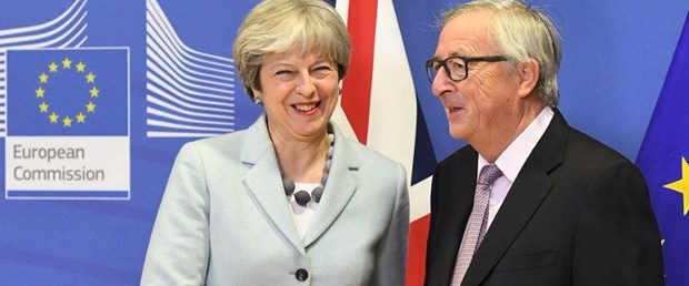 brexit juncker ab ingiltere theresa may081217.jpg