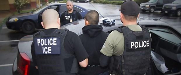 abd trump göçmen gözaltı130217.jpg