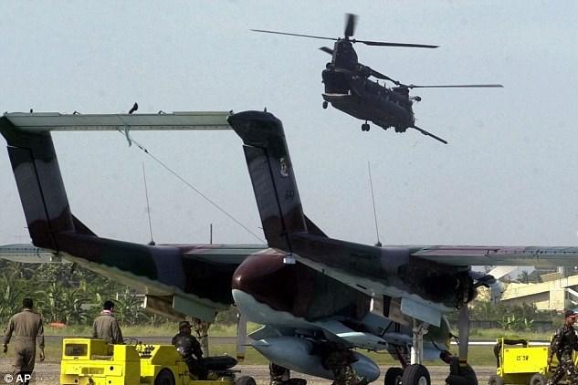Saatlik masrafı bin dolar olan OV-10 Bronco tipi klasik savaş uçağı.
