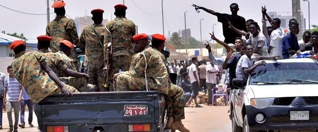 2019-04-11T134341Z_941650105_RC1E2503A8C0_RTRMADP_3_SUDAN-PROTESTS.JPG