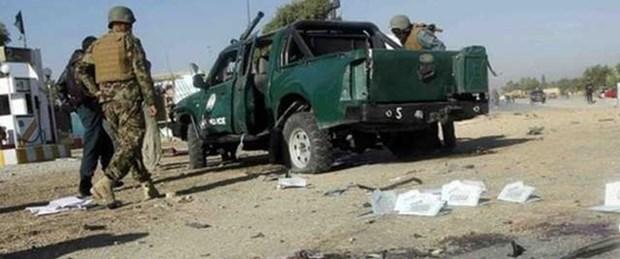 Afganistan'da 10 polis öldürüldü