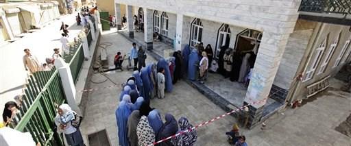 Afganistan'ın gergin seçimi sona erdi