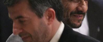 Ahmedinejad iki bakanı görevden aldı