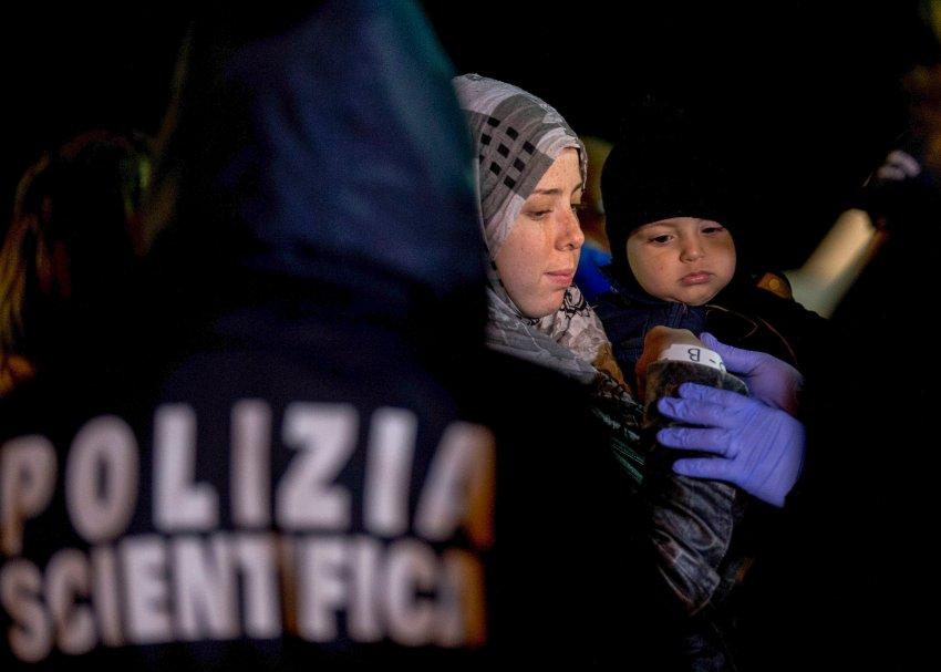 """Akdeniz kaçak göçmenler için """"ölüm denizi""""ne dönüştü"""