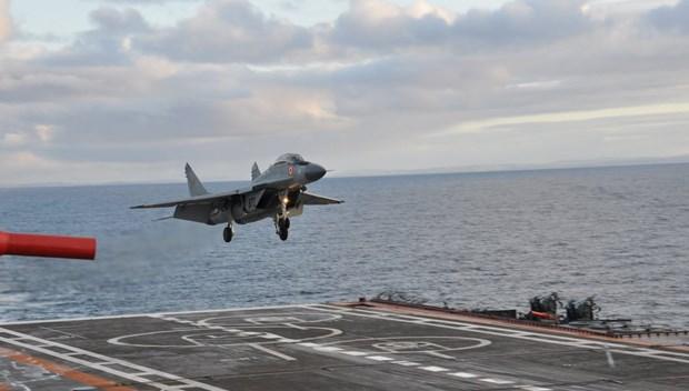 rus savaş uçağı.JPG