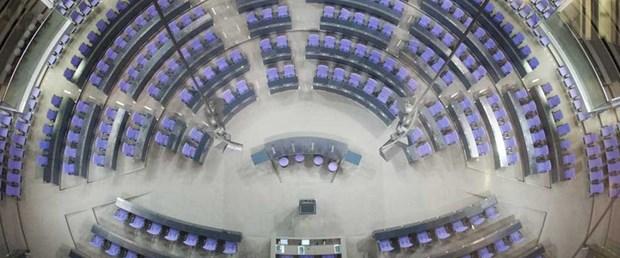 almanya meclis AfD yer tartışma051017.jpg