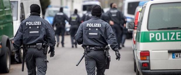 almanya polis frankfurt gösteri190317.jpg