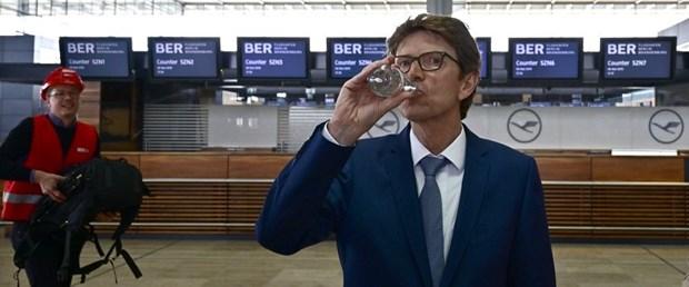 almanya brandenburg havalimanı020719.jpg