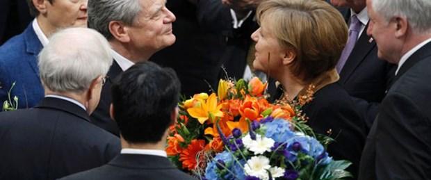 Almanya'da Gauck cumhurbaşkanı seçildi