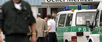 Almanya'da Milli Görüş bürolarına baskın